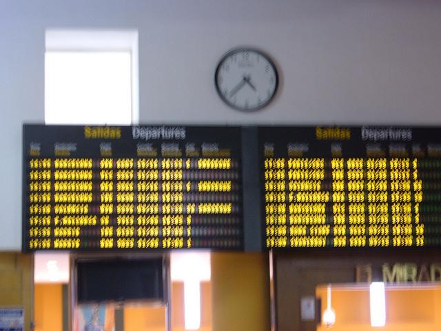 como saber si tu vuelo llega con retraso o no 640