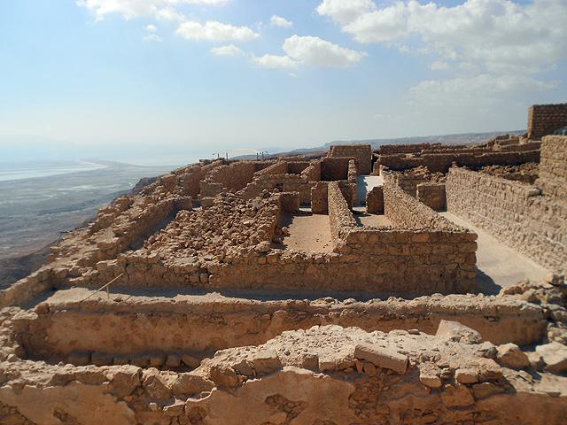 Descubre la leyenda de Massada y como visitarla sin desfallecer